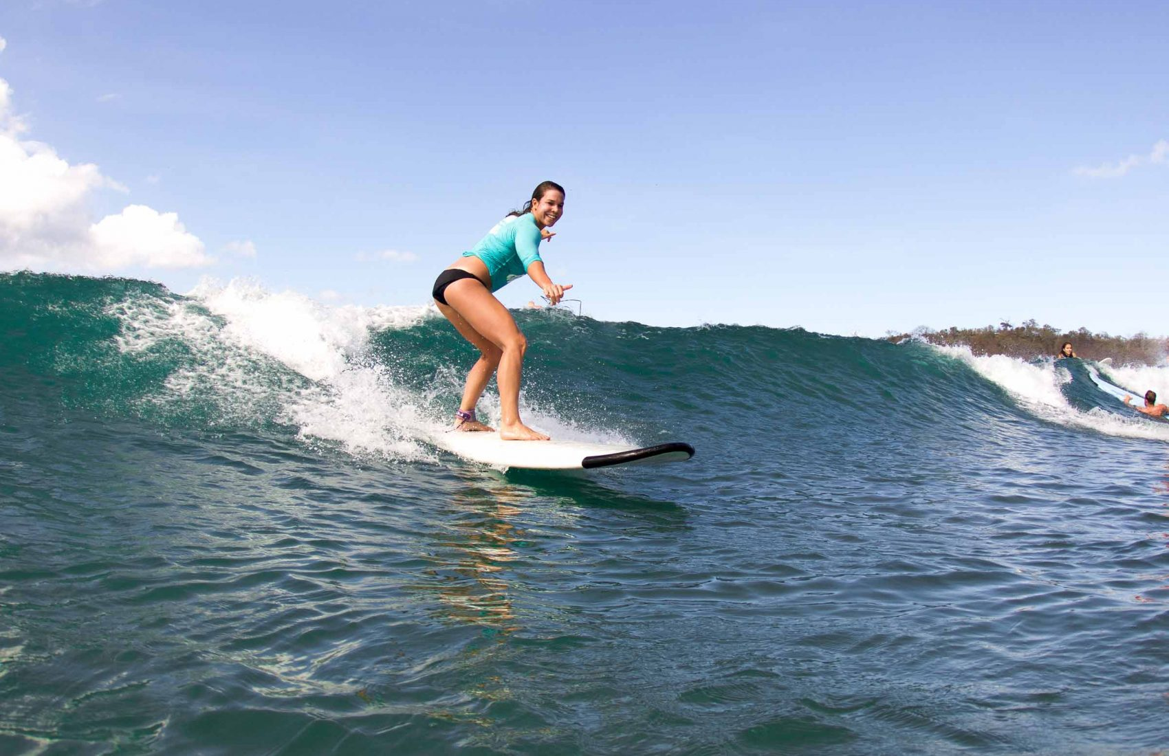 learn to surf ecuador