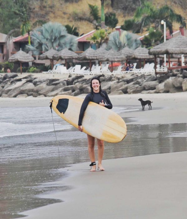 Beginner surfer Ecuador