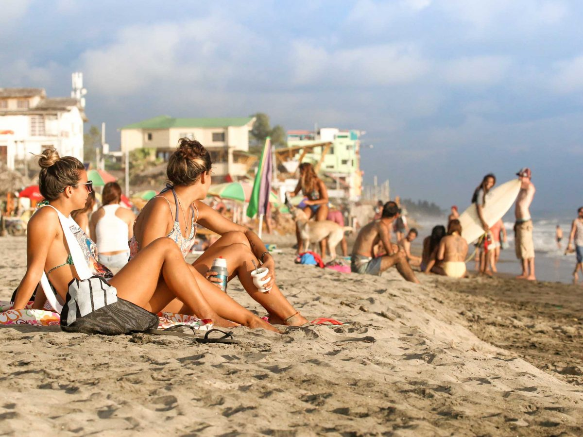 Montanita beach vives