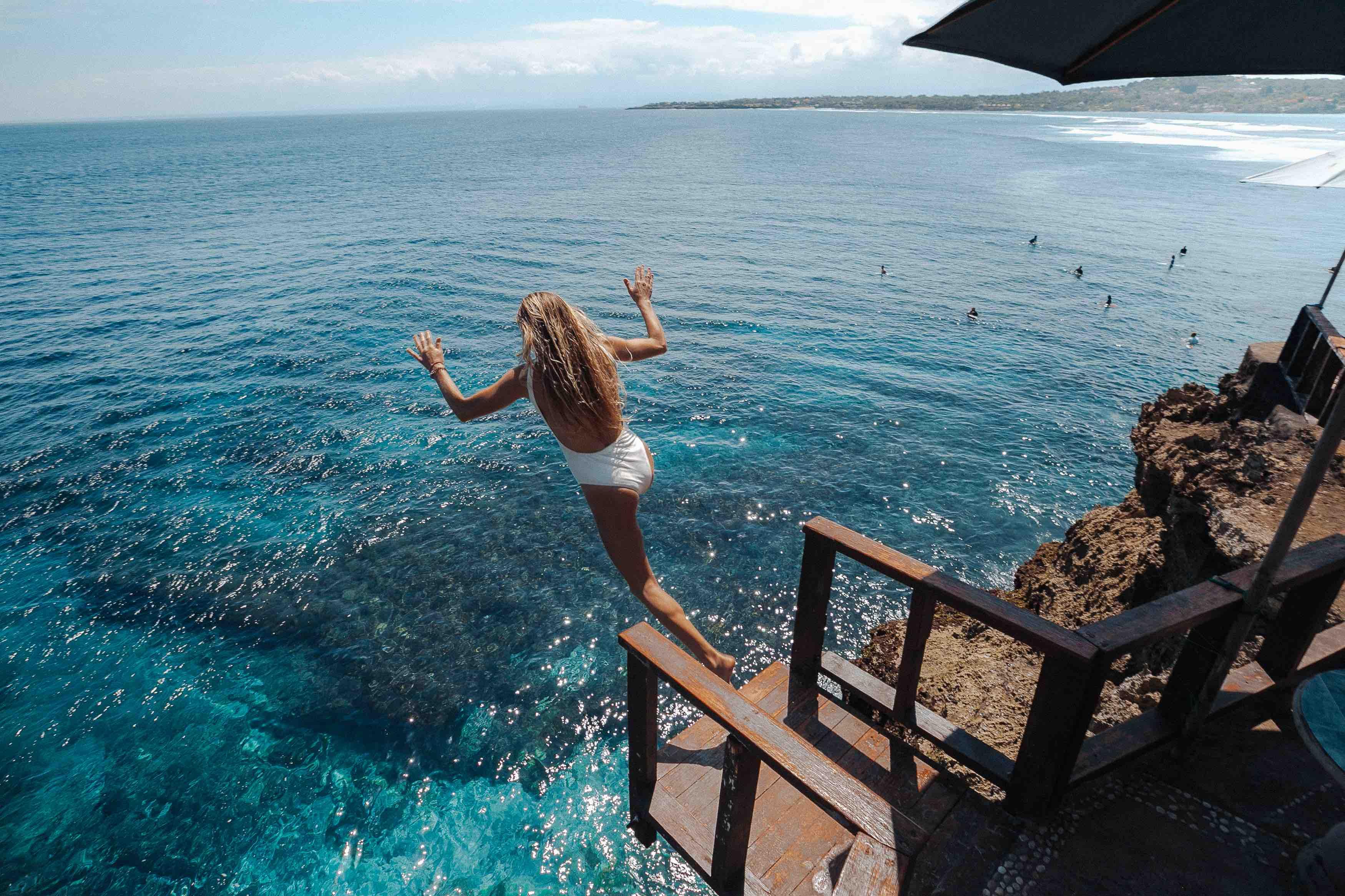 Cliff Jump Nusa Ceningan Lembongan