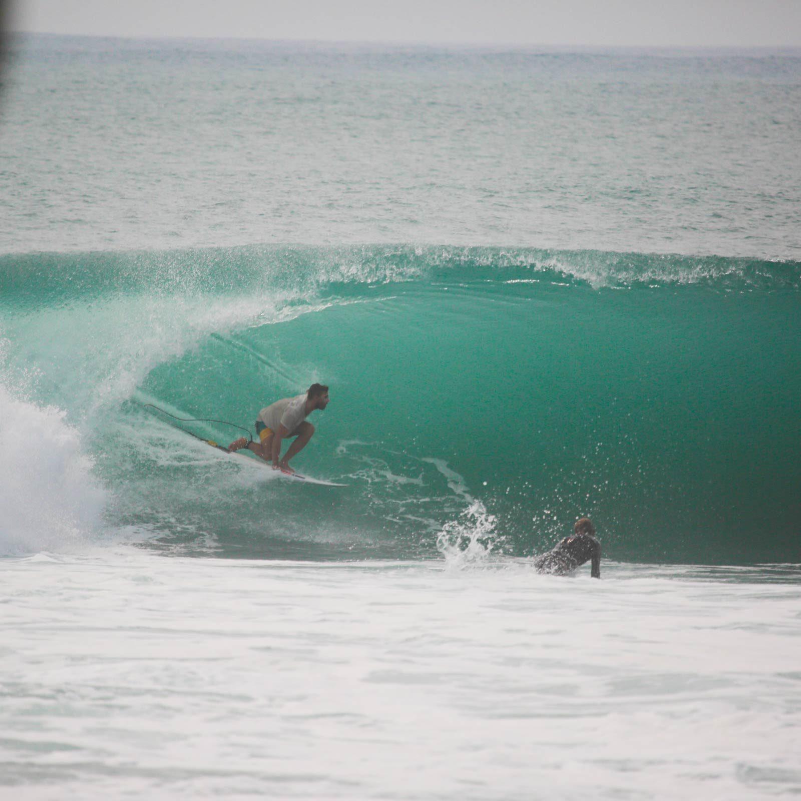 Alex-mentawai-surf