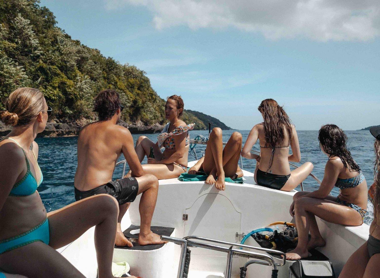 Boat snorkeling friends bali