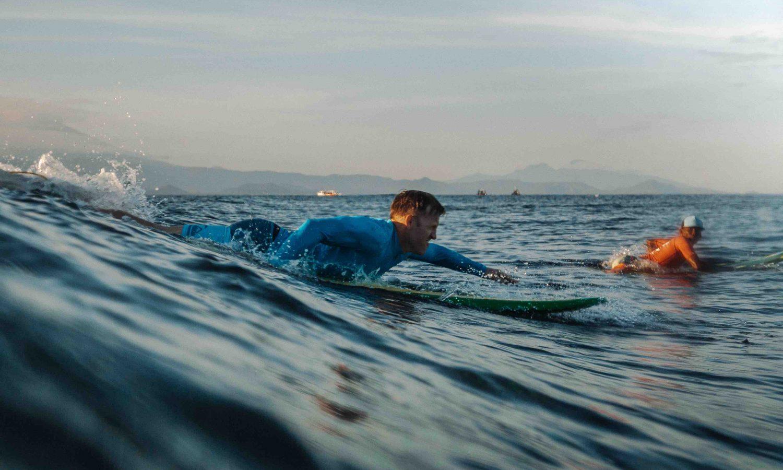 surfer-paddle-bali-coach