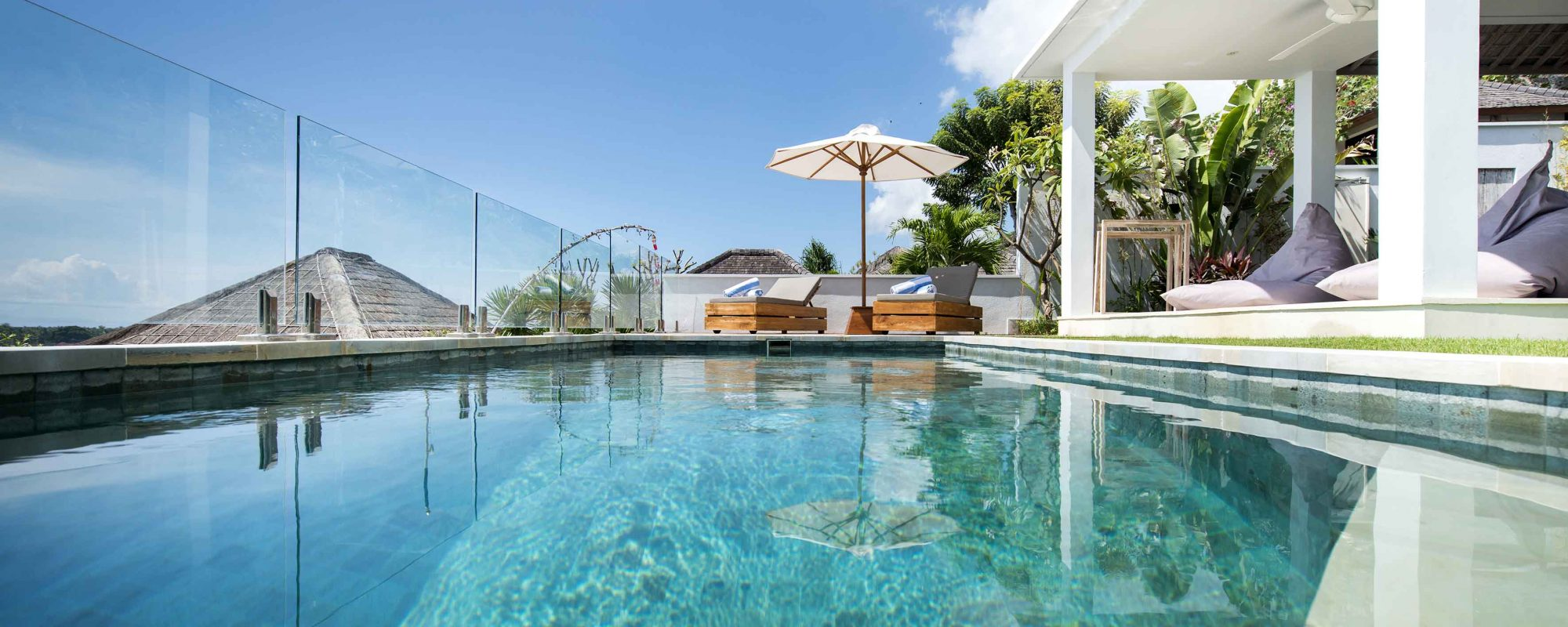 Pool Surf Camp Bali