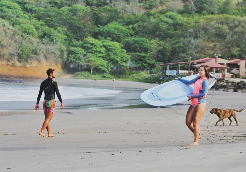 Learn to Surf in Montanita