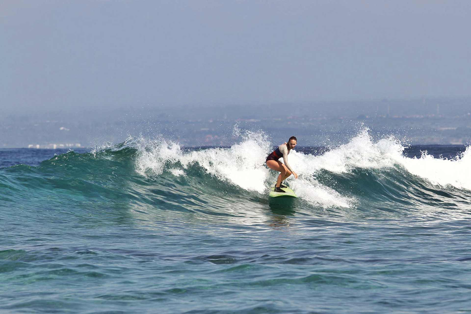 Learn to Surf Nusa Lembongan