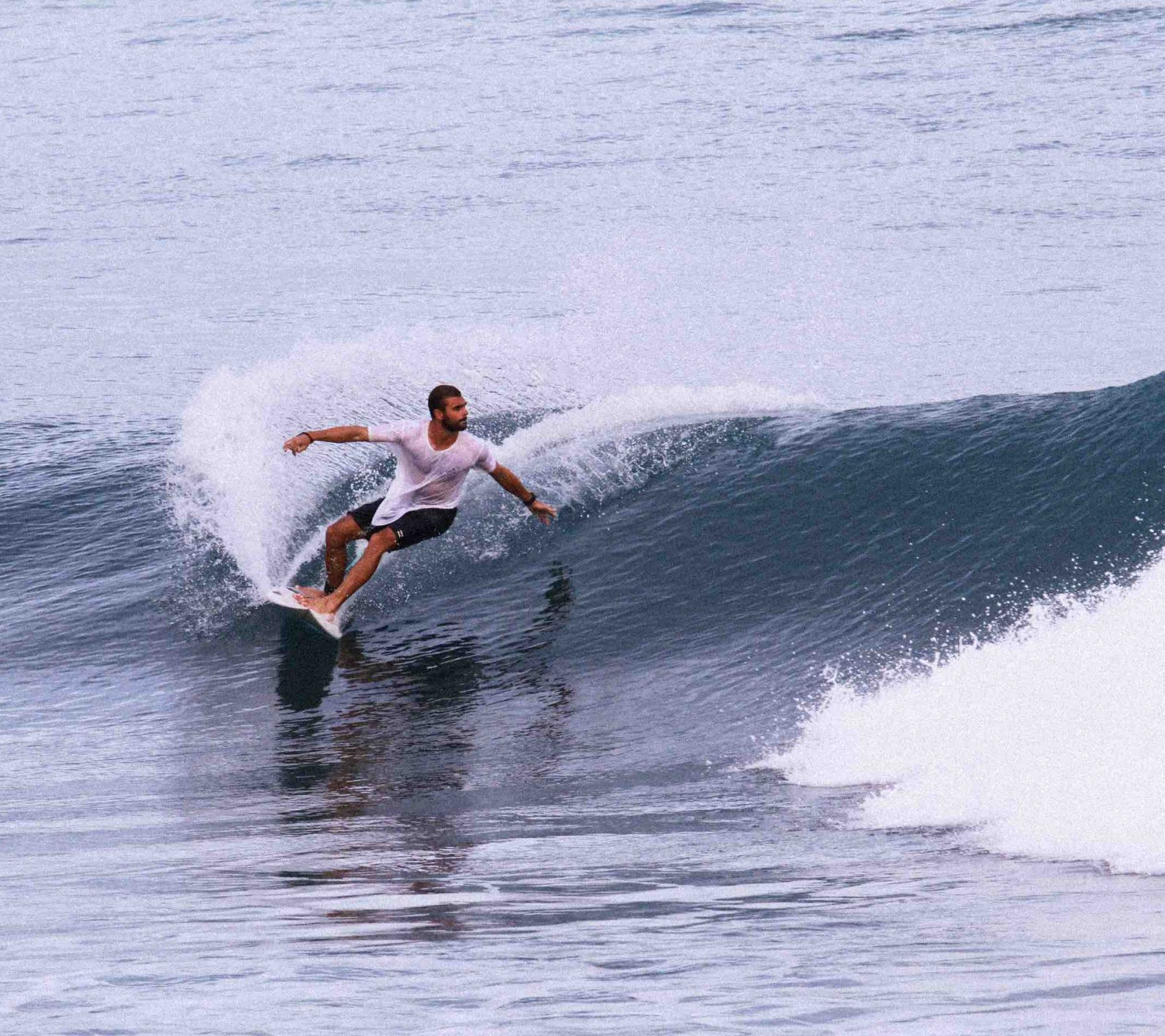 Round house cutback surf Alex