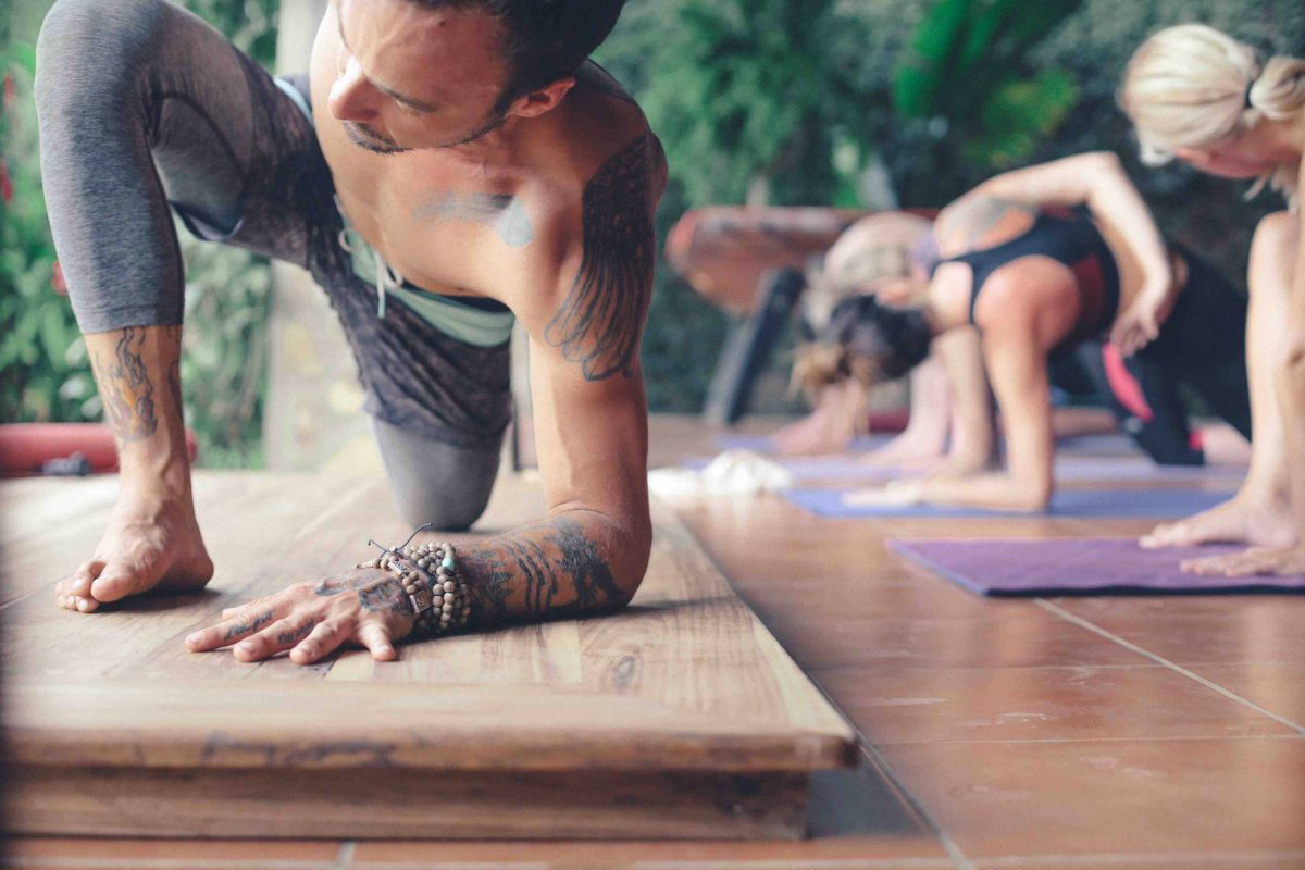 Yoga-Barefoot-Surf-Travel