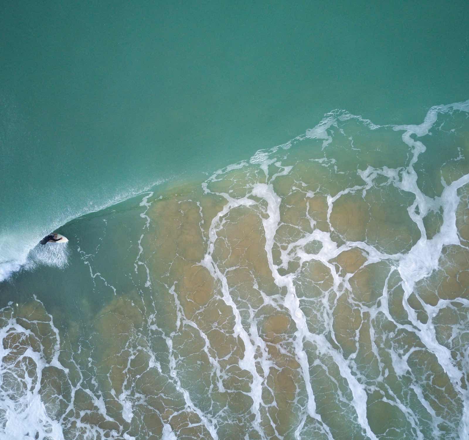 above wave unsplash