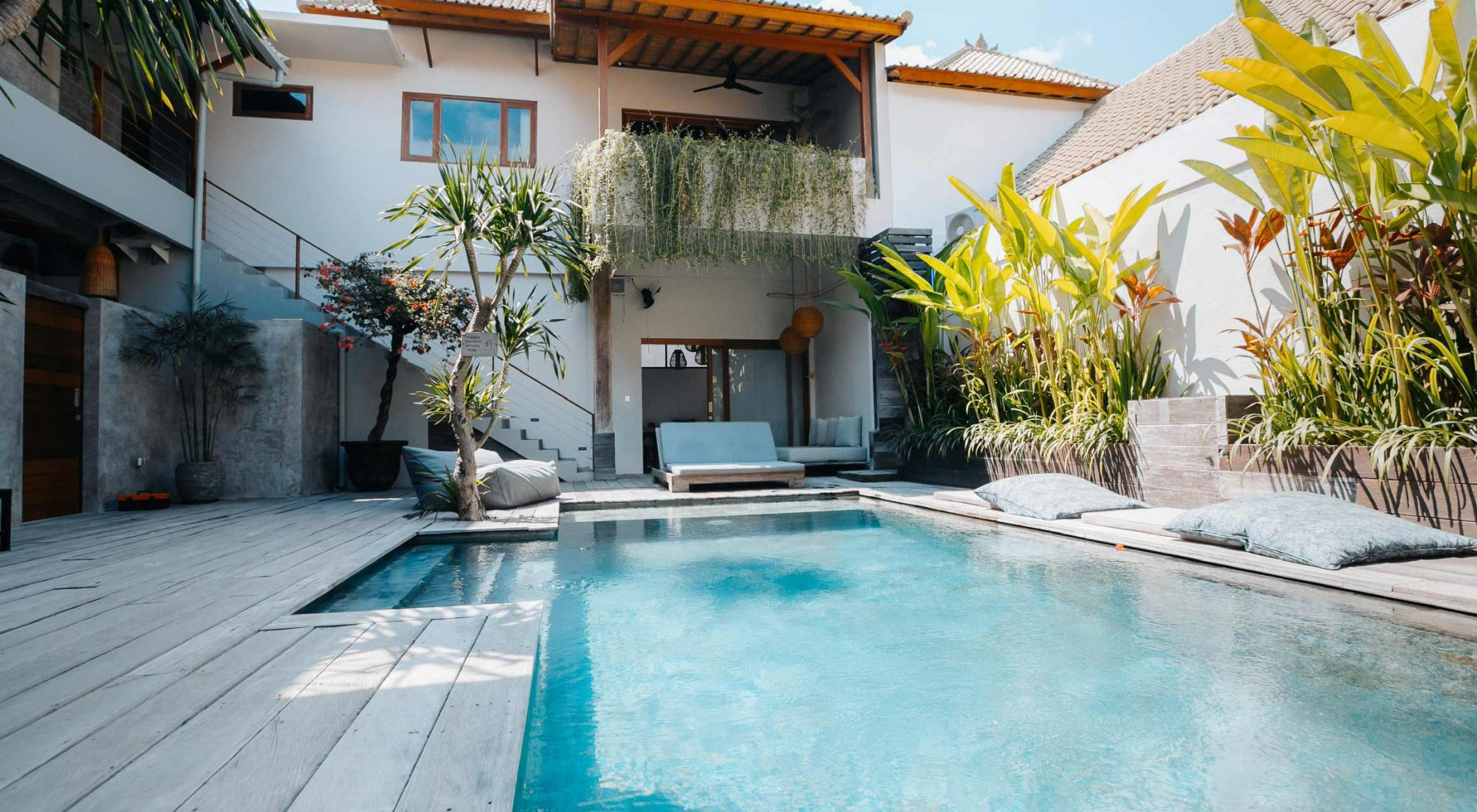 Vassani Accommodation Canggu Surf Coaching Retreats
