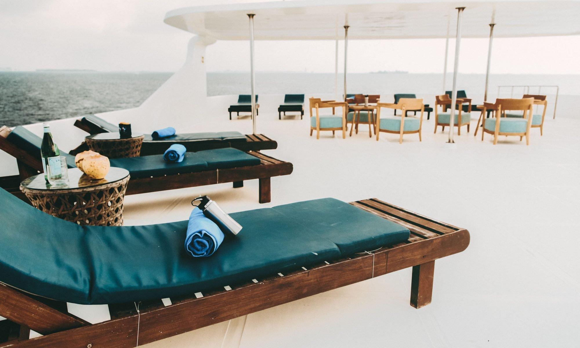 Surf boat Maldives
