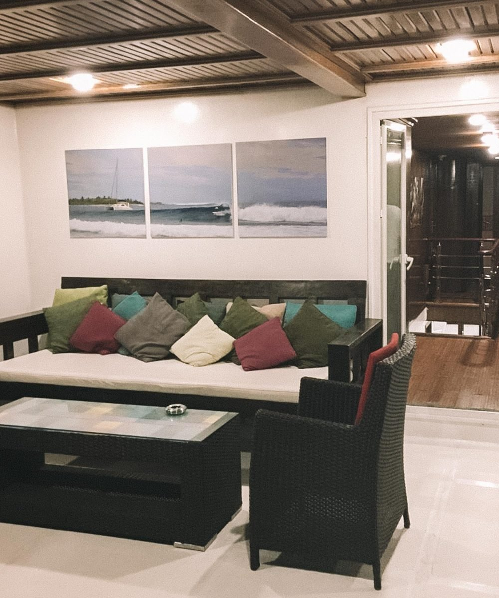 Sofas Surf Camp Maldives